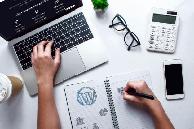 como ganar dinero siendo diseñador web wordpress